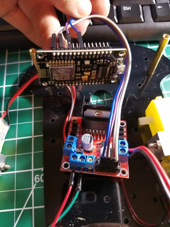 NodeMCU - ESP8266 Robot with Stand Alone Library - Projects